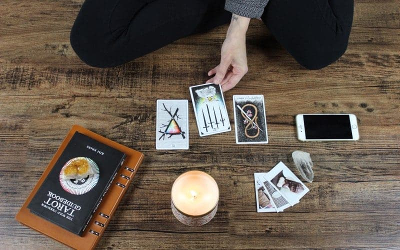 how to use your tarot deck
