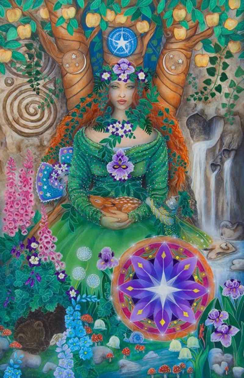 queen of pentacles love